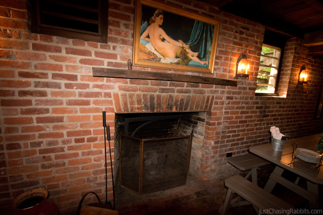 King's Tavern Natchez, Mississippi Famous Fireplace where three bodies were found buried in the wall