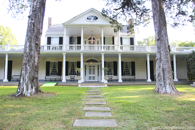 Linden is an antebellum mansion in Natchez, Mississippi, inspiration for the door of Tara in Gone With the Wind